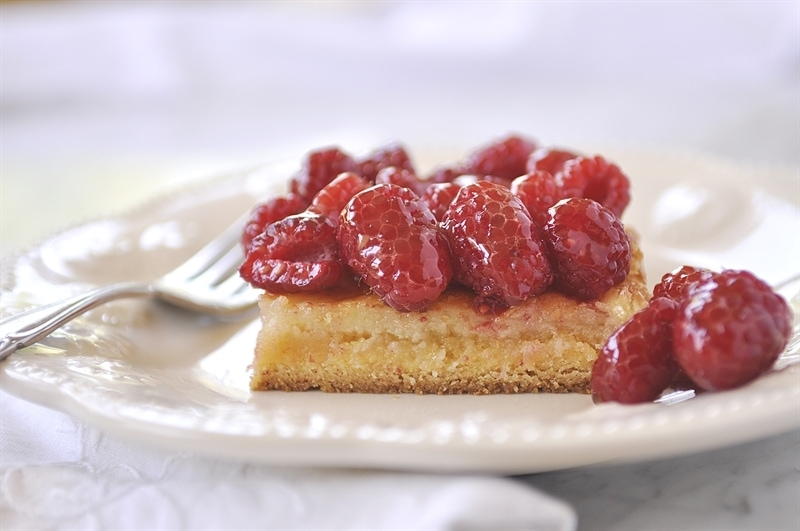 Ooey Geoey Cake with Raspberries