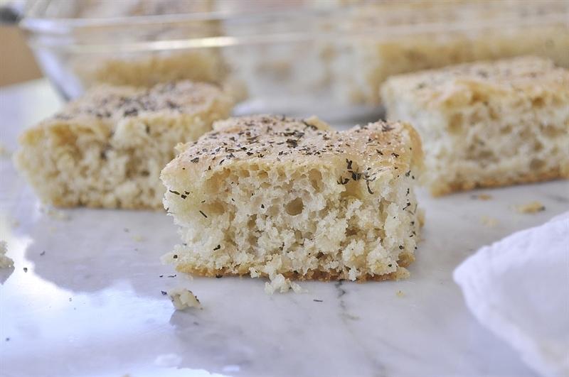 sliced blitz bread