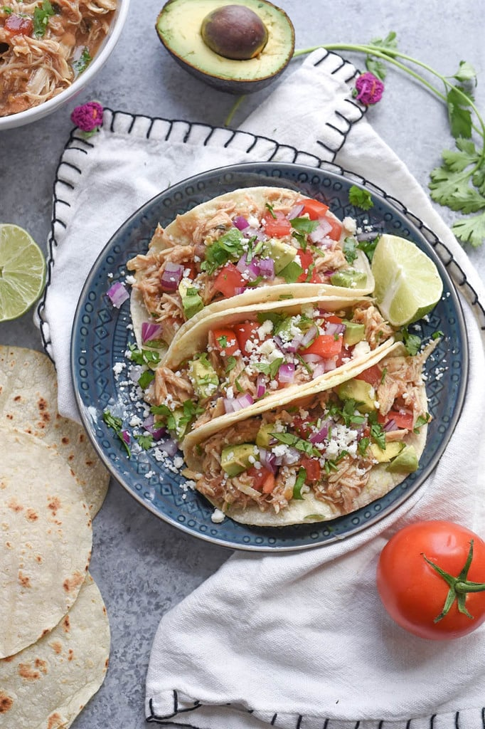 Slow Cooker Shredded Green Chile Chicken Tacos