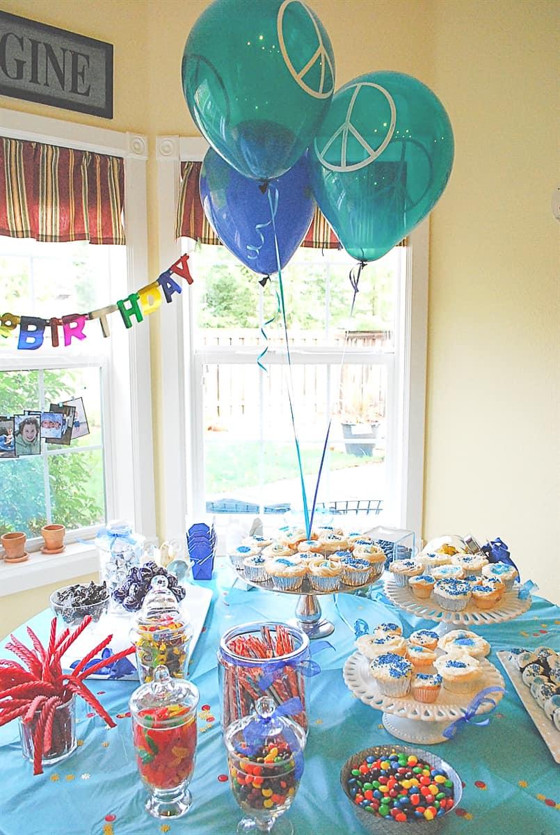 Tween BIrthday Party table