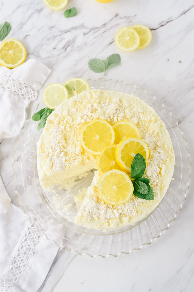 Lemon Cream Cake with fresh lemons