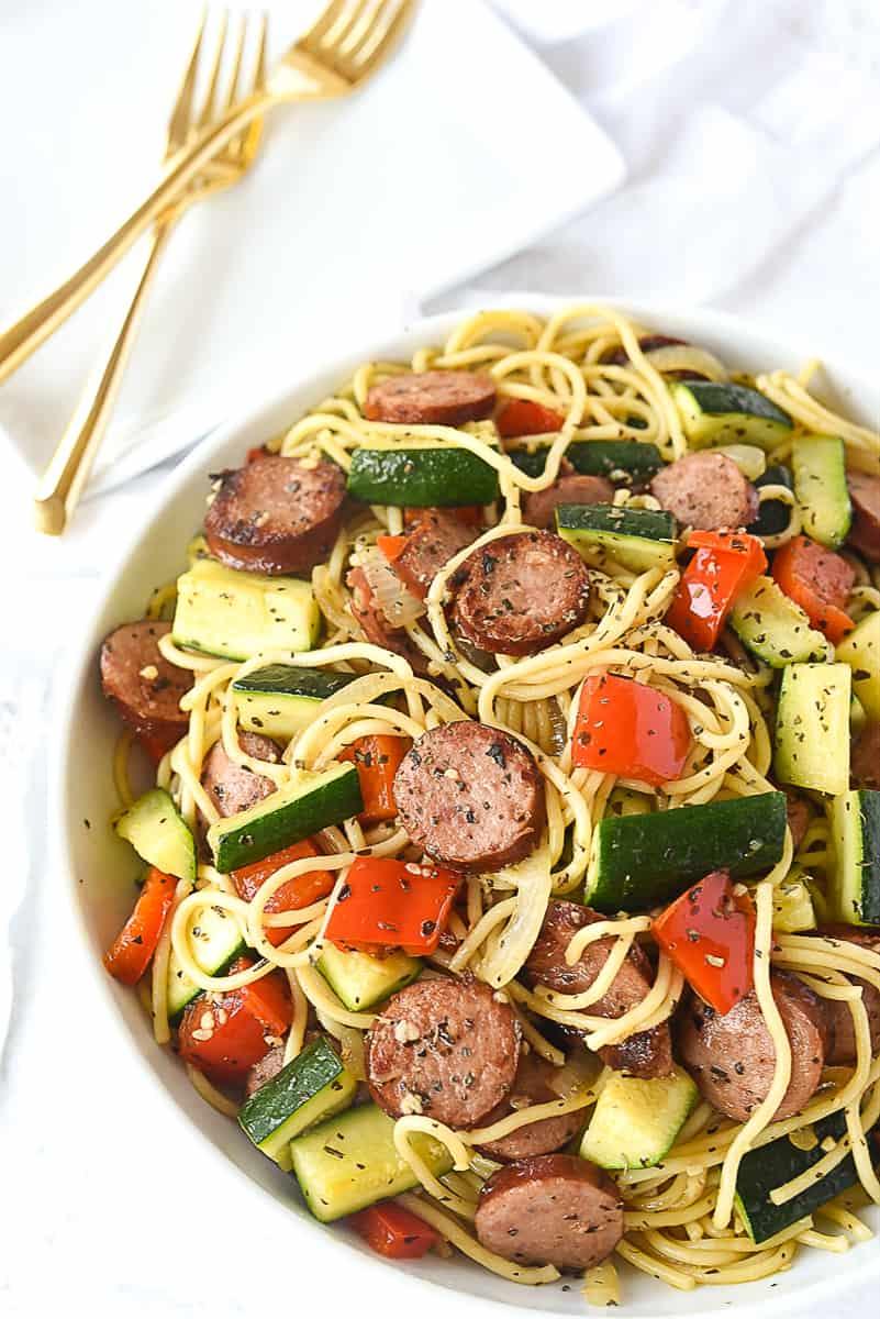 overhead shot of bowl of vegetable pasta