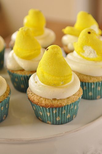Lemon Curd Cupcakes with Lemon Cream Cheese Frosting