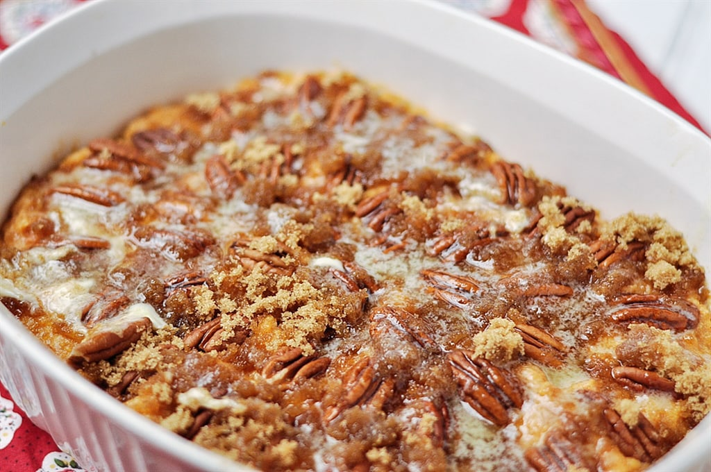 sweet potato casserole with pecans and brown sugar topping