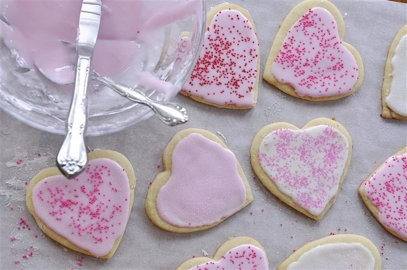 valentine sugar cookies with sprinkles