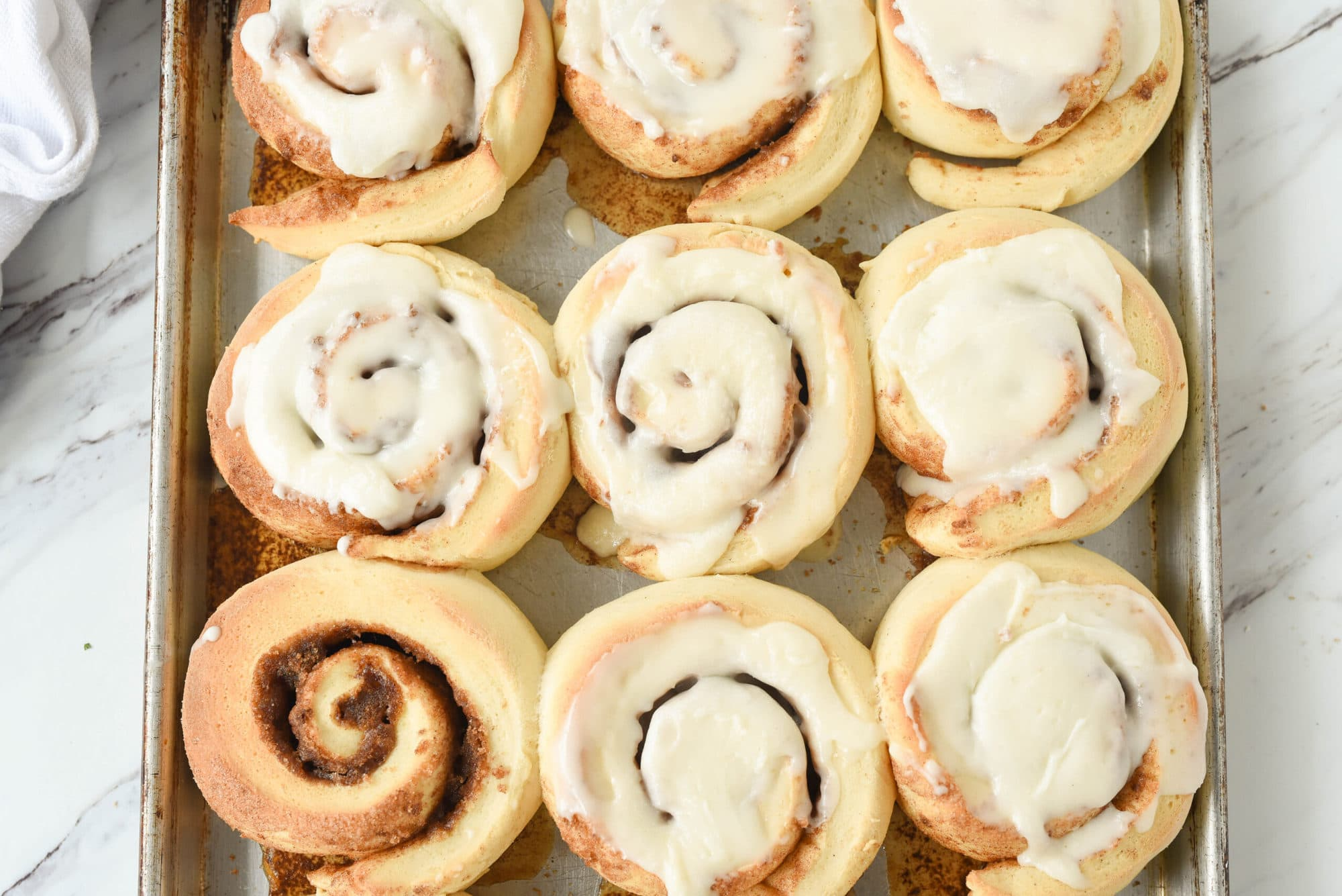 cinnamon rolls with frosting