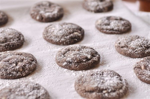 chocolate crinkle christmas cookies