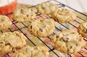 My-Favorite-Chocoalte-Chip-Cookie_0004-e1361228507867