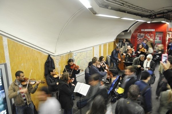 Metro performers in Paris