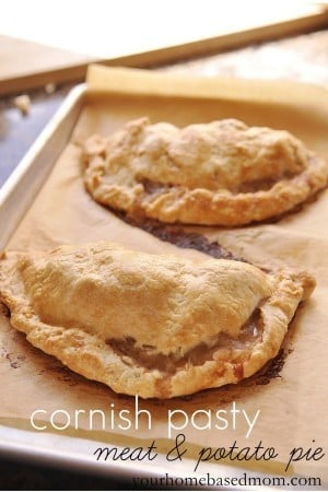 Cornish Pasty}Meat & Potato Pie