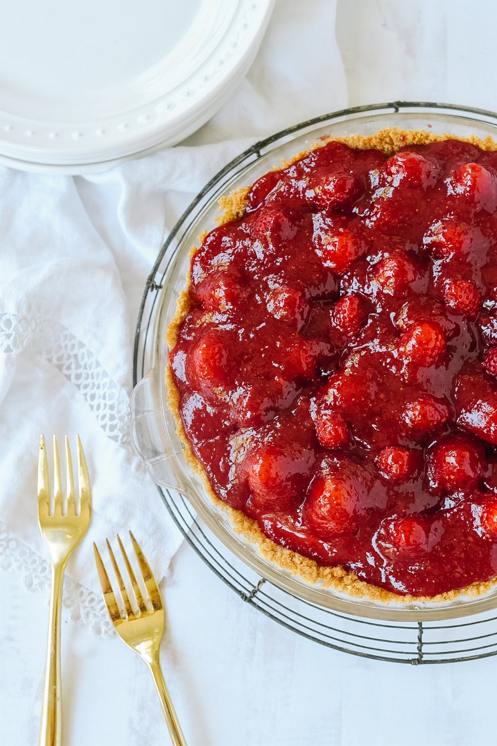 glazed strawberry cream pie