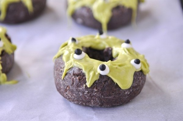 googly eye donut monster