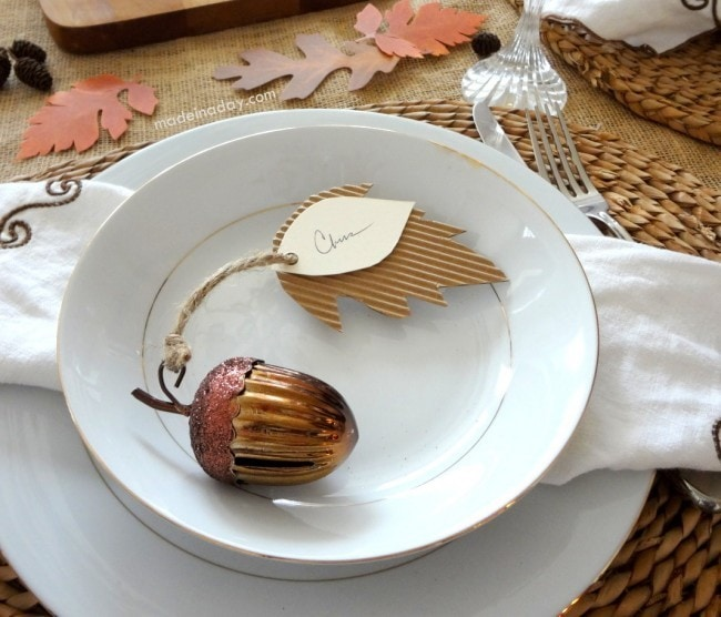 Acorn-Place-Cards-Made-in-a-Day-turkeytablescapes-650x556