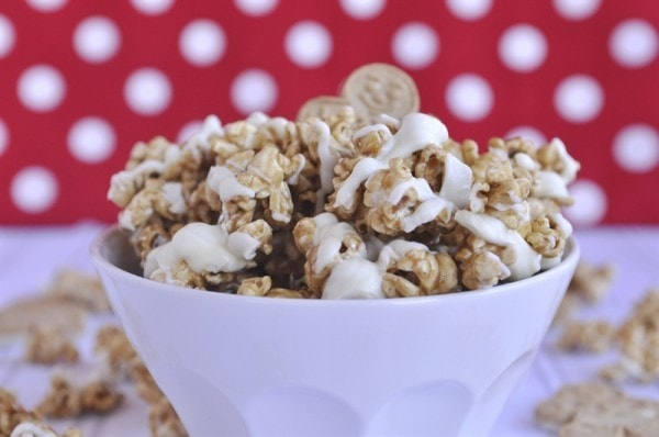 white chocolate gingerbread caramel corn in a bowl