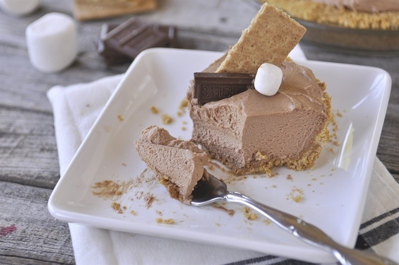 Chocolate S'mores Pie - your homebased mom