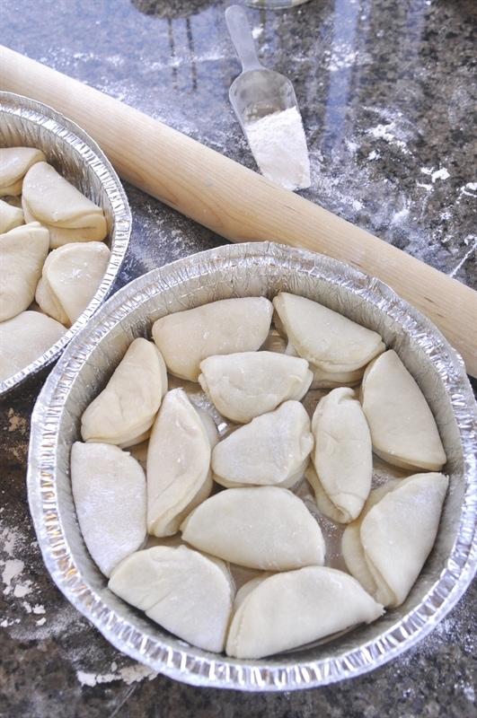 parkerhouse rolls in foil pan