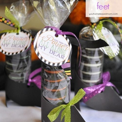 Oreo Witch Shoes and Free Printable Tag
