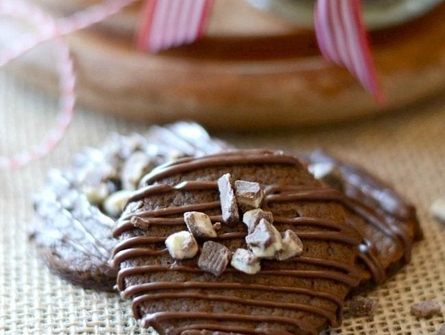 minty-chocolate-cookies