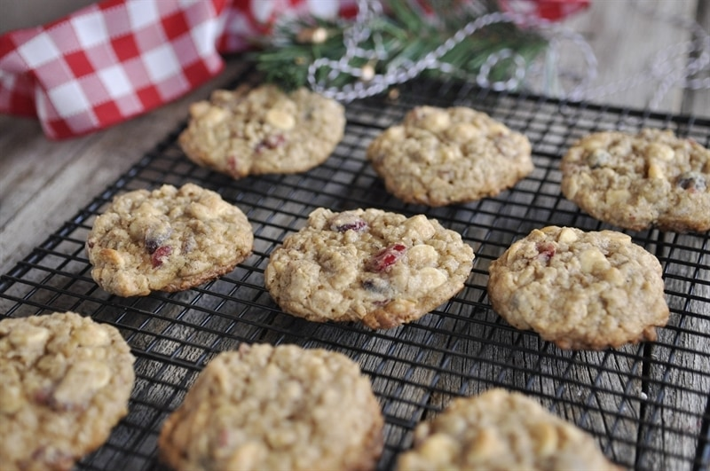 cranberry oatmeal christmas cookies