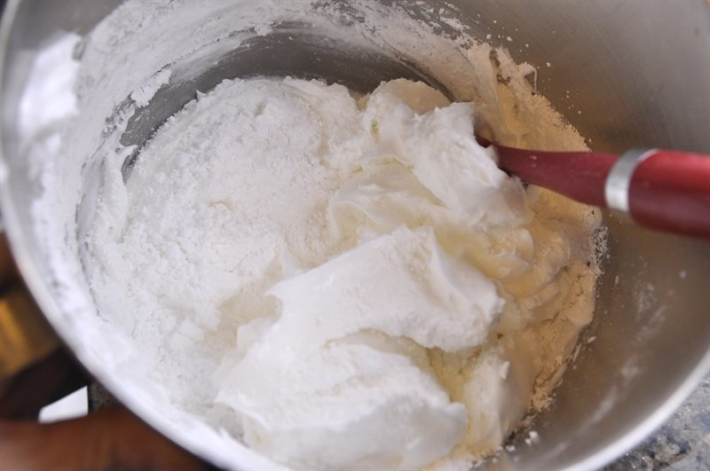 Meringue cookie batter