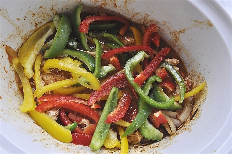 Slow Cooker Chicken Fajitas - your homebased mom