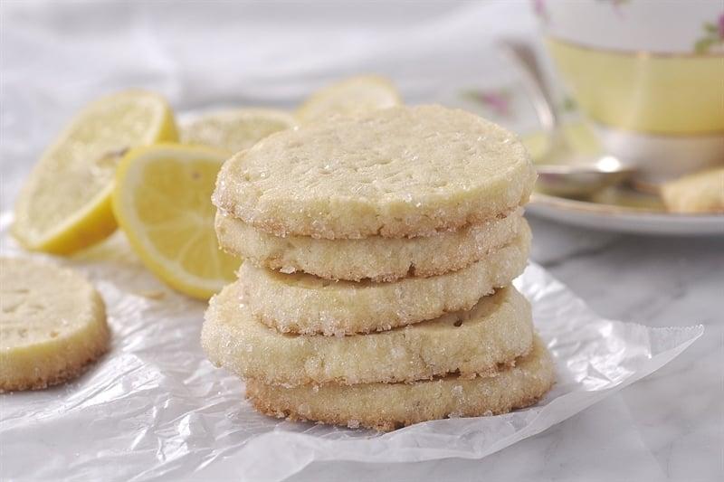 layered icebox cookies raspberry almond layered icebox cookies ...