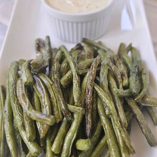Roasted Green Beans with spicy dipping sauce