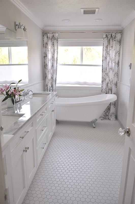 White Master Bathrooms Best Decorating Ideas