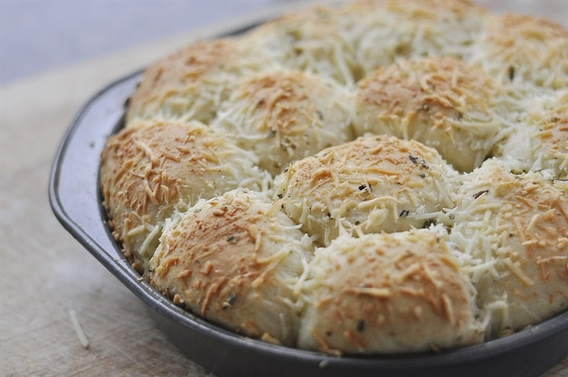 fresh baked garlic cheese rolls