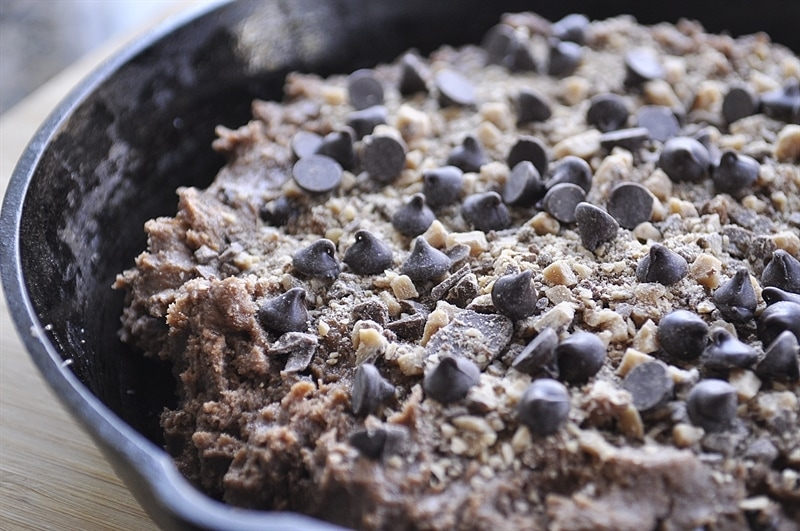 Chocolate, Nutellla & Toffee Brownie Skillet dough