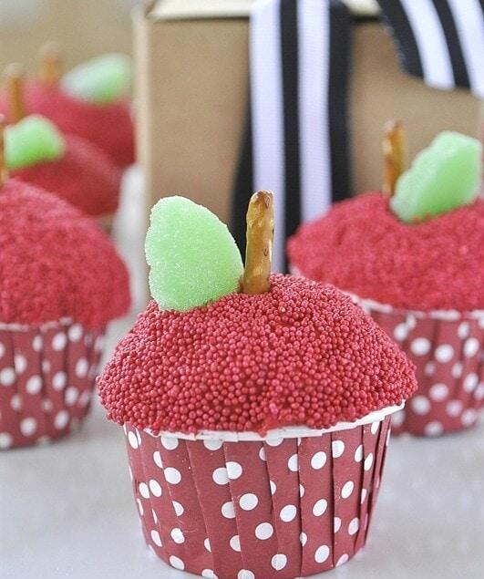 Apple cupcakes for teacher appreciation @yourhomebasedmom.com