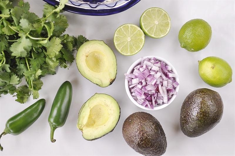 avacado lime onion jalepeno cilantro guacamole ingredients