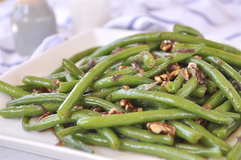 Green Beans with Caramelzied Pecans