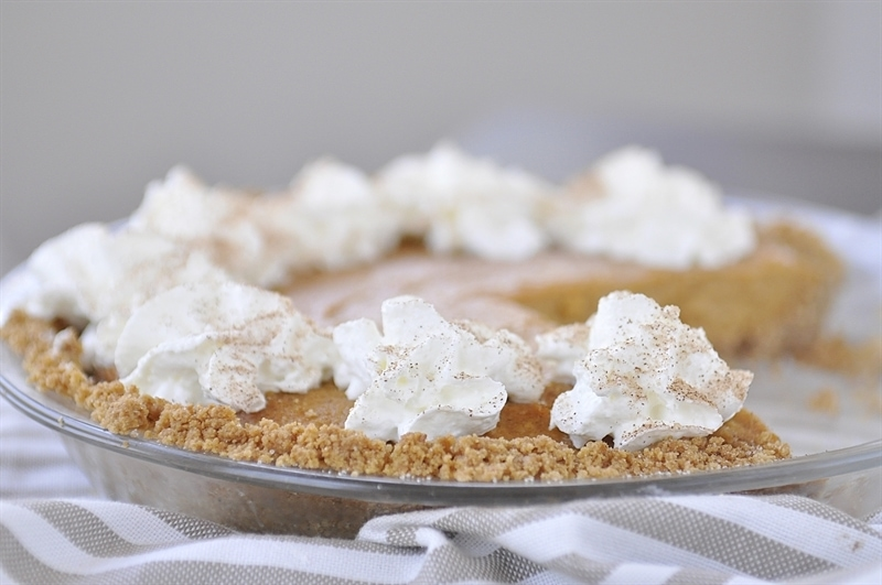 No Bake Pumpkin Pie in a glass pie dish