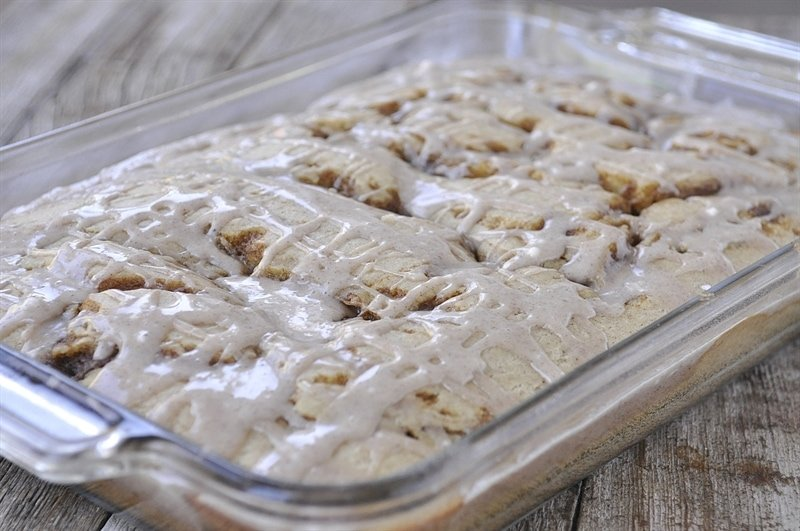 Pumpkin Cinnamon Roll Cake in pyrex pan