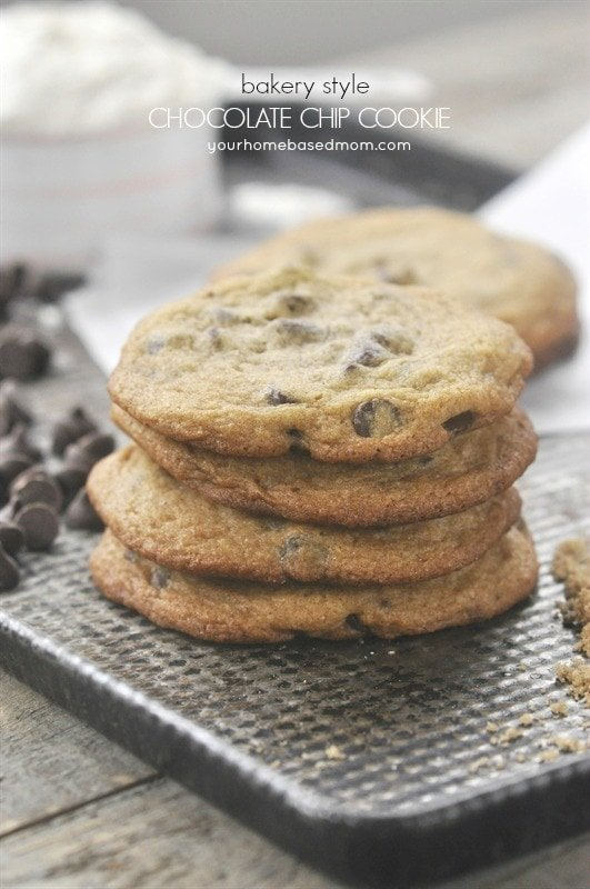 These bakery style chocolate chip cookies are just like you find in ...