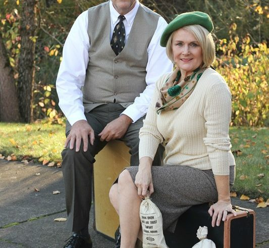 Bonnie and Clyde Couple Costume Idea