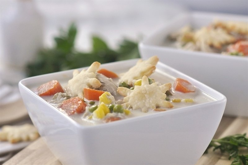 chicken pot pie soup in a bowl