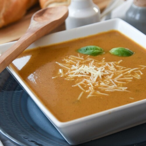 Roasted Red Pepper Soup with Garlic