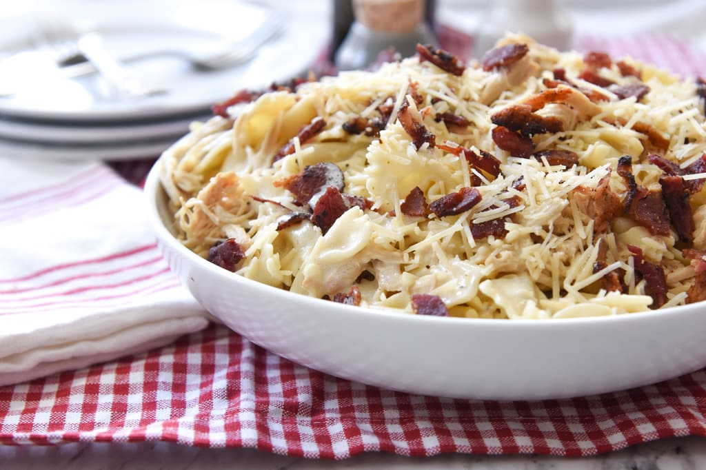 Slow Cooker Garlic Chicken Pasta