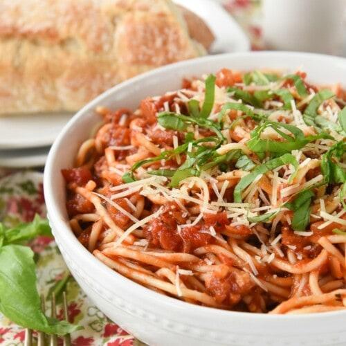 Spicy Tomato Pasta | Amatriciana Pasta