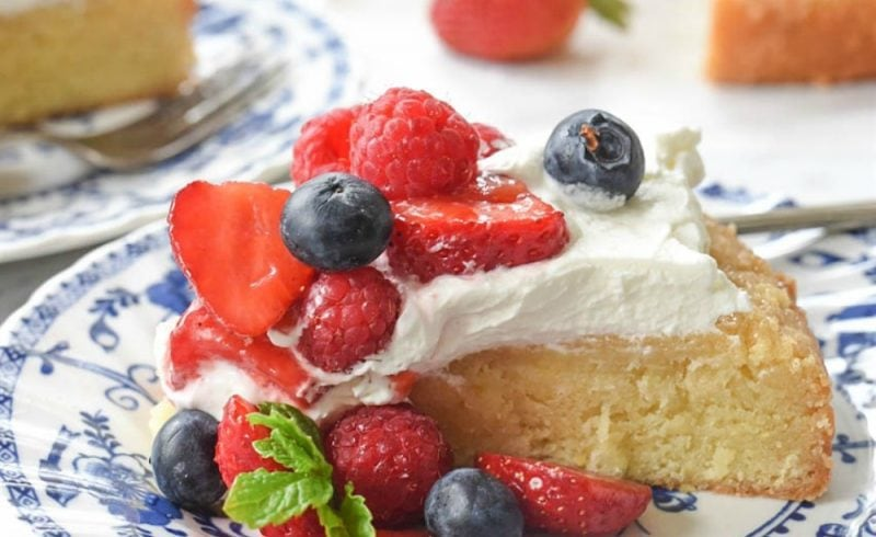 Lemon poundcake with fresh berries and whipped cream