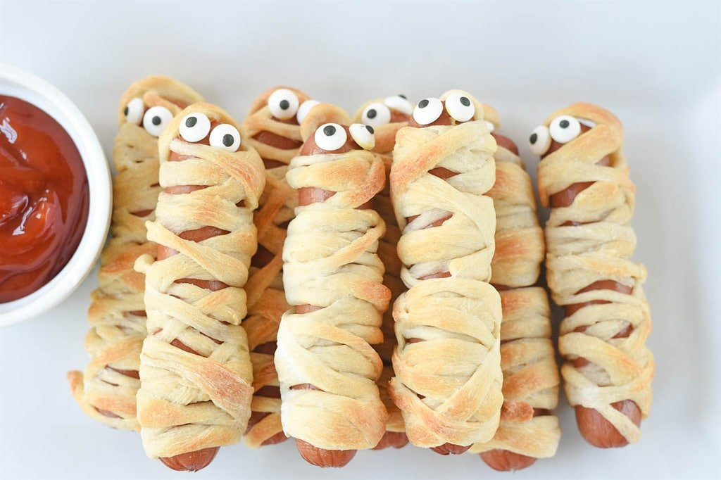 Mummy Hot Dogs with eyes
