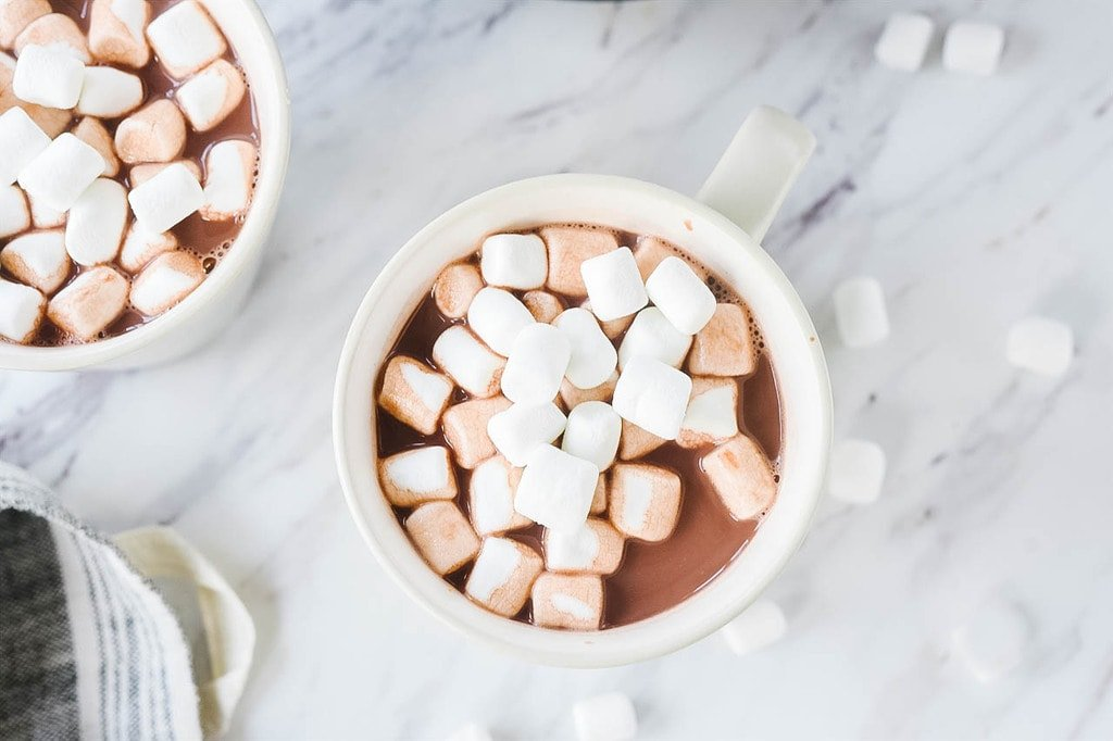 crock pot Hot Chocolate with marshmallows