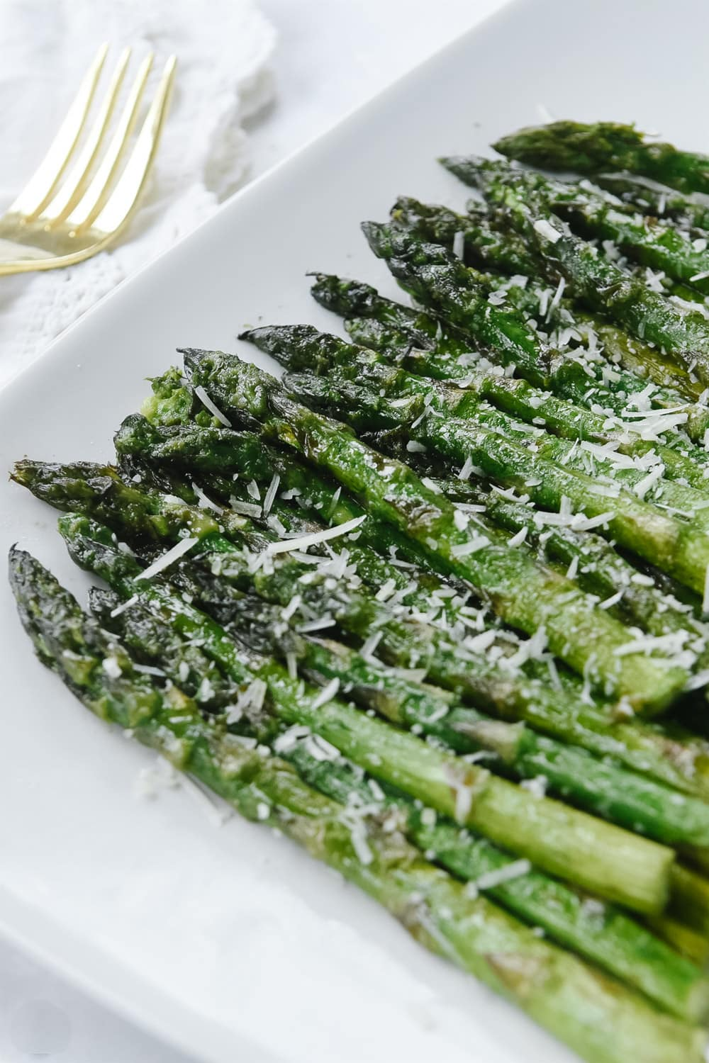Grilled asparagus on a platter