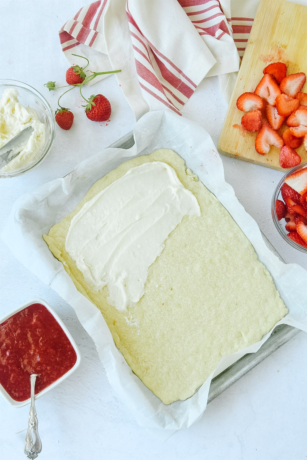 how to make strawberry pizza
