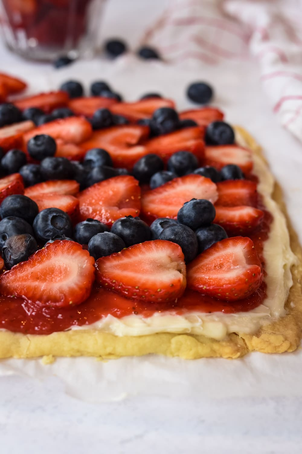 Strawberry and blueberry fruit pizza