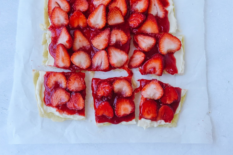 sliced Strawberry pizza