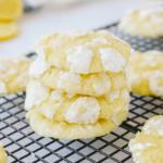 Stack of lemon crinkles