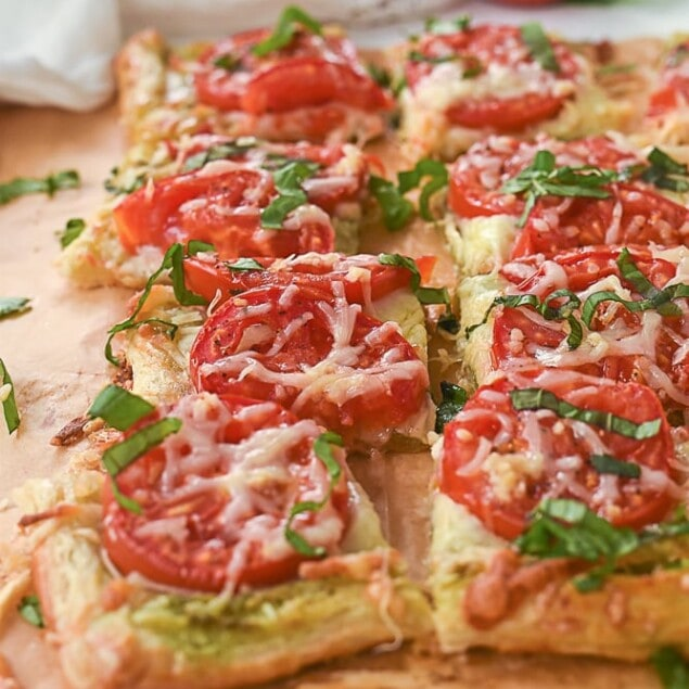 Tomato tart pieces